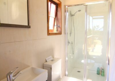cottage_bathroom_small